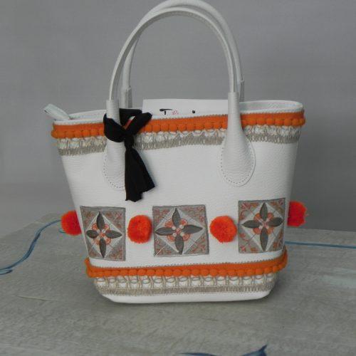 Borsa Tjndara bianca decoro mattonelle arancio